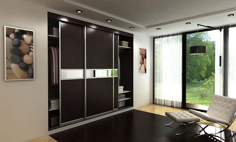 Черный встроенный шкаф-купе на заказ