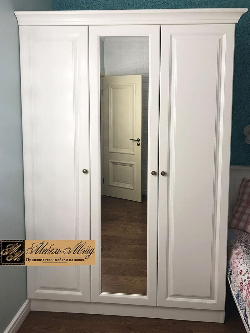 Корпусный шкаф в классическом стиле на заказ