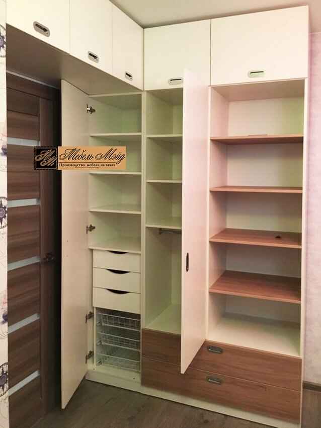 Фото распашного шкафа 12