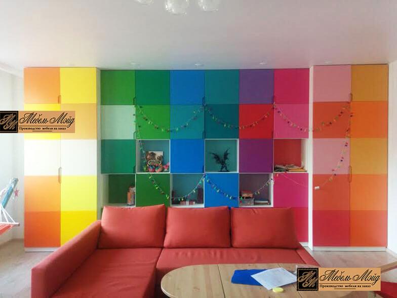 Разноцветный шкаф на заказ